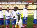 视频:双方球员友好握手 笑里藏刀准备开恶战