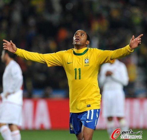 最佳:罗比尼奥再扮克星 5战7球成智利梦魇