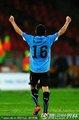 图文:乌拉圭2-1韩国 佩雷拉高举双臂庆祝