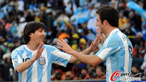世界杯-梅西助阿根廷4-1韩国 伊瓜因帽子戏法