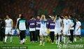 图文:乌拉圭2-1韩国 韩国队员退场
