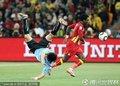 乌拉圭队员受伤倒地