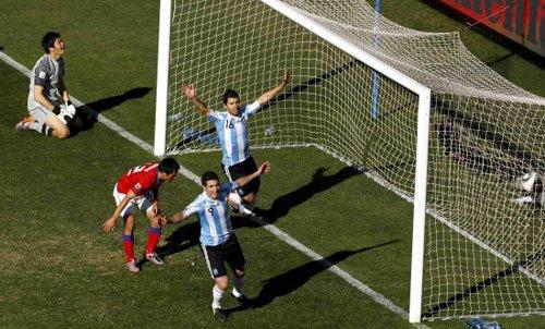 巴蒂?不!伊瓜因!阿根廷新战神全世界被膜拜
