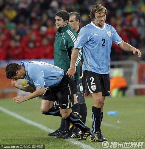 乌拉圭训练仅11人参加 队长或因伤无缘半决赛