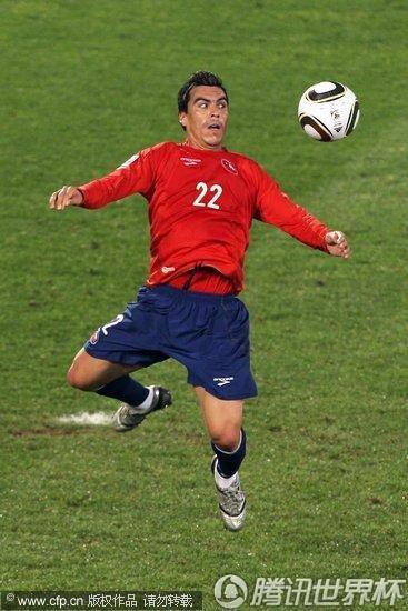 2010世界杯H组末轮:西班牙2-1智利 携手挺进16强