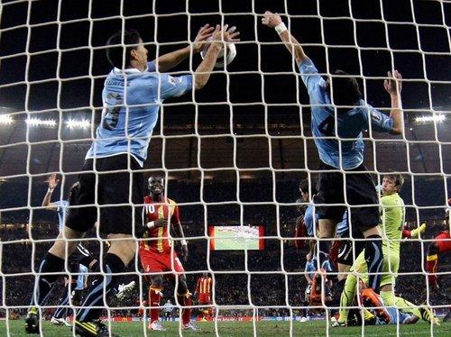 第120分钟死里逃生!上帝的右手拯救乌拉圭