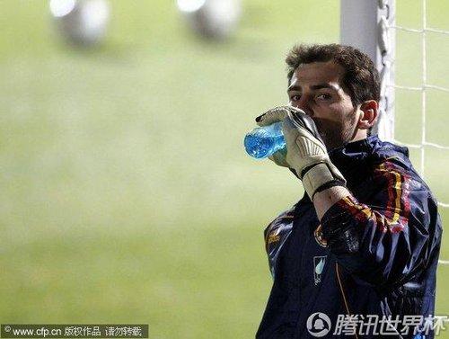 2010世界杯H组:西班牙训练备战 博斯克祈祷望此战取胜