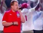 视频:球迷唱英格兰队歌 为三狮军团呐喊助威