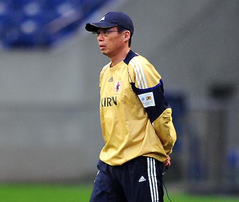 冈田:一年两败韩国很惭愧 决定世界杯后离任
