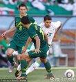 图文:阿尔及利亚0-1斯洛文尼亚 马特莫尔突破