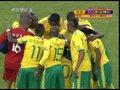 视频:南非队众将齐祈福 皮纳尔率队众星捧月