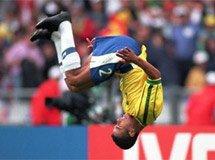 98世界杯揭幕战 博伊德乌龙助巴西获胜