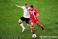 图文:德国0-1塞尔维亚 小猪追赶对手