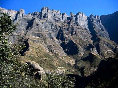 南非休养野营场地——德拉肯斯山脉