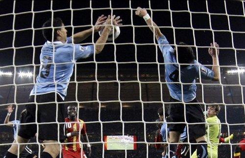 苏亚雷斯:我的手球堪比马拉多纳 拯救乌拉圭