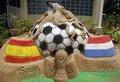 印度艺人制作雕塑庆祝