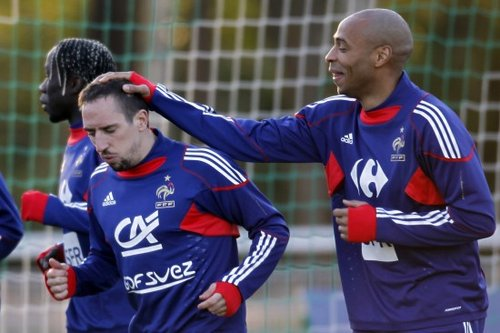 法国公布世界杯23人最终名单 里贝里亨利领衔