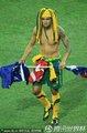 图文:塞尔维亚1-2澳大利亚 卡希尔搞怪装扮