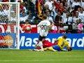 06世界杯进球FLASH:波多尔斯基破门德国领先