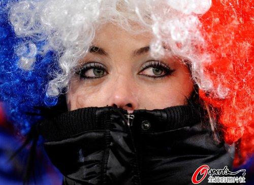 图文:世界杯女球迷的笑与泪(8)