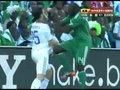 视频:希腊尼日利亚30-35分钟 凯塔红牌罚下