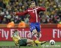 图文:塞尔维亚1-2澳大利亚 拉佐维奇带球突破