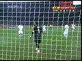 视频:巴西队得到角球机会 智利队头球解围