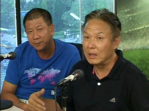 李辉(右)李萱(左)