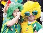 视频:各国球迷大比拼 竭尽所能欢庆呐喊