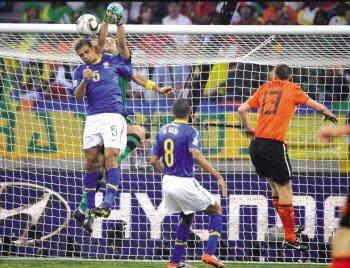 温州商报:贝利爱巴西 运气爱荷兰