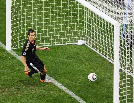 文强死刑前侃世界杯 谈兴大发称德阿之战假球
