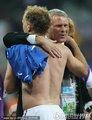 新西兰教练拥抱队员