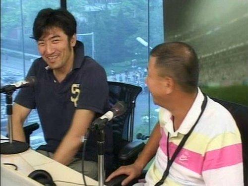 韩旭(左)李萱(右)