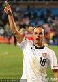 图文:美国1-0阿尔及利亚 多诺万单手向天