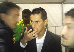 扬子晚报:阿尔及利亚输球又输人
