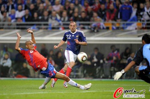 图文:法国vs哥斯达黎加 里贝里上半时建功