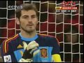 视频:葡萄牙获前场任意球 C罗轰门险破门