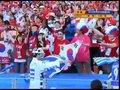 视频:希腊球迷不堪寂寞 场边幽默挑衅太极虎