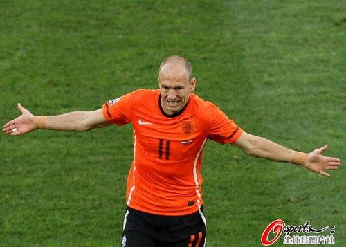 最佳:罗本首发荷兰质变 标志进球助球队晋级