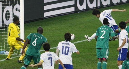 图文:尼日利亚VS韩国 李正秀破门扳平比分