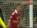 视频:丹麦角球遭破坏 日本后卫手球躲过一劫
