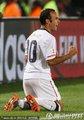 图文:美国1-0阿尔及利亚 多诺万跪地怒吼