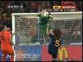 视频:圣卡西拼命扑来球 和普约尔相撞险受伤