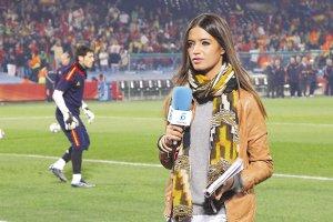 扬子晚报:西班牙赢球被竖中指