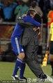 图文:阿根廷2-0希腊 老马与队员拥抱