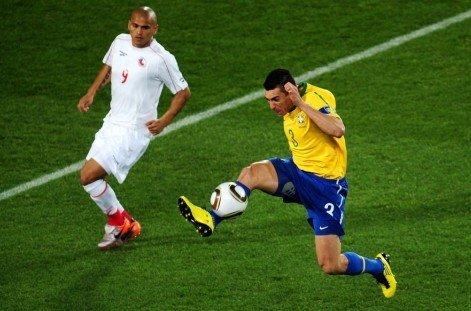 巴西队长世界杯16战超贝利 十年领袖从未倒下