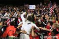 图文:美国1-0阿尔及利亚 美国球迷激情庆祝