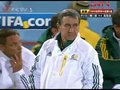 视频:南非队实力不济 主帅无计可施场边苦笑