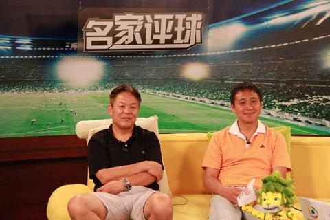 李辉(左)南方(右)