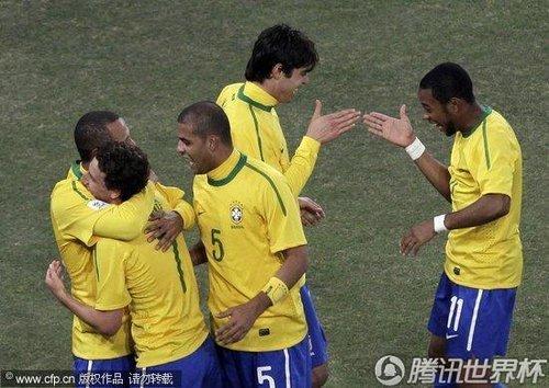 巴西VS智利前瞻:卡卡解禁 南美内战必将对攻